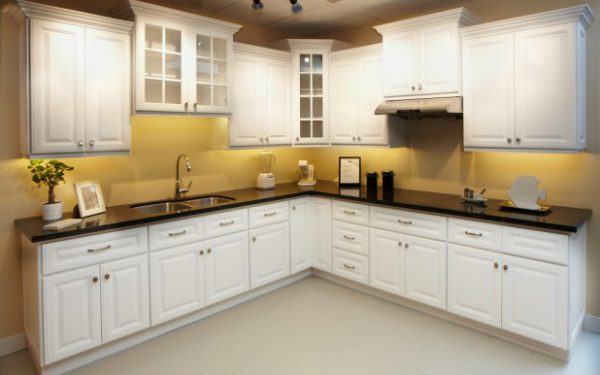 Classic Wood Doors - Hampton White Sample Kitchen