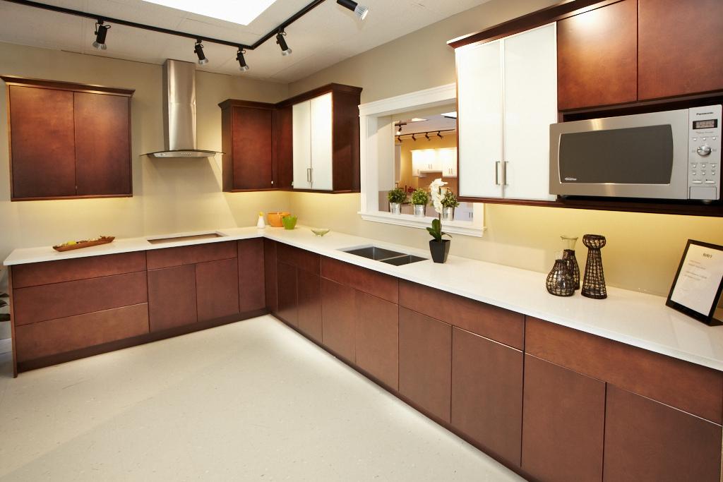 Modern Flat Doors - Espresso Flat Sample Kitchen